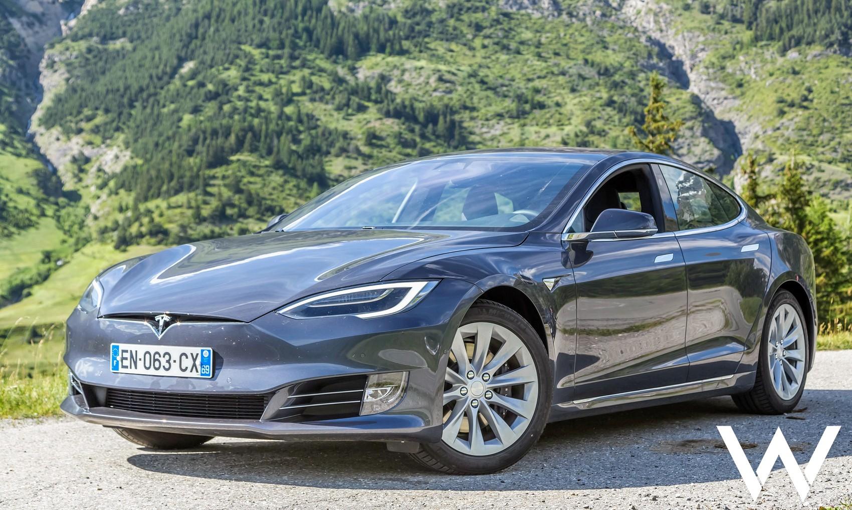 Tesla Model S roadtrip alpen