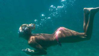 Onder water ademhalen Aquaman Crystal