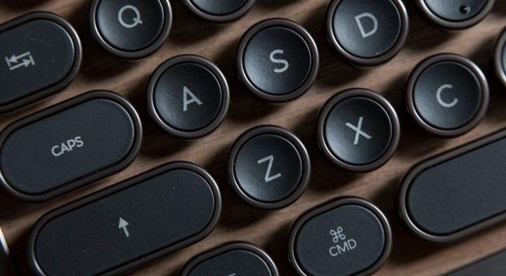 Azio Luxury Retro Classic keyboard.