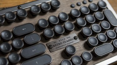 typemachine Azio Luxury Retro Classic keyboard.