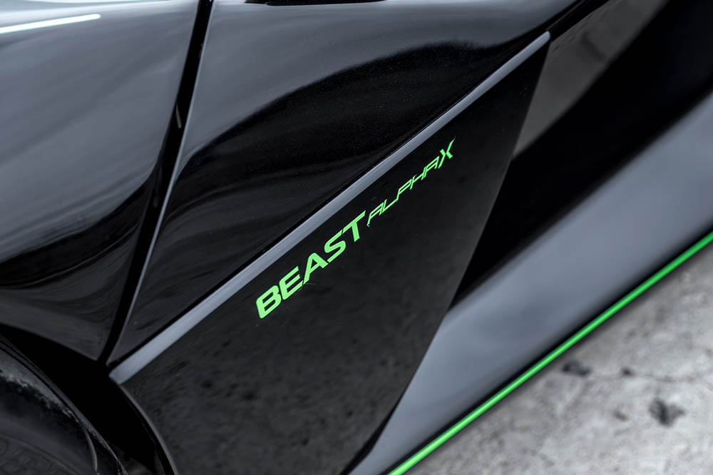 Revzani Beast Alpha X Blackbird