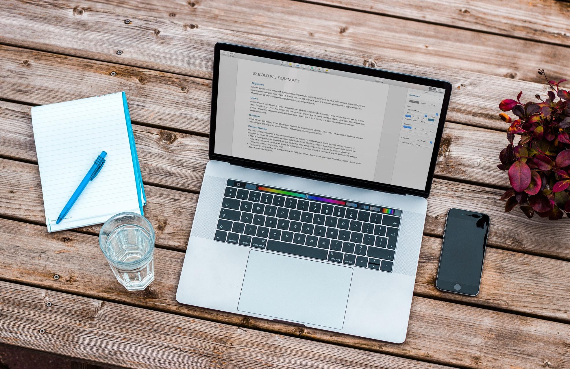 Lenteschoonmaak digitaal laptop