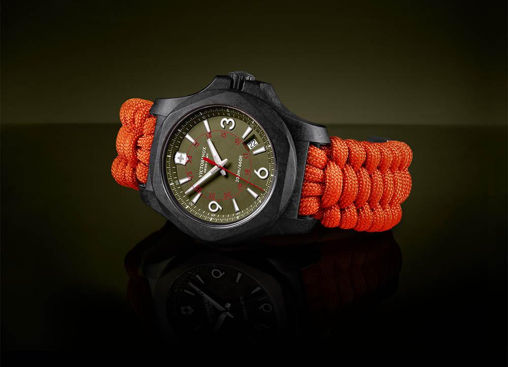 Victorinox I.N.O.X. Carbon horloge