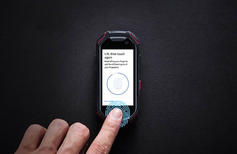 Atom smartphone