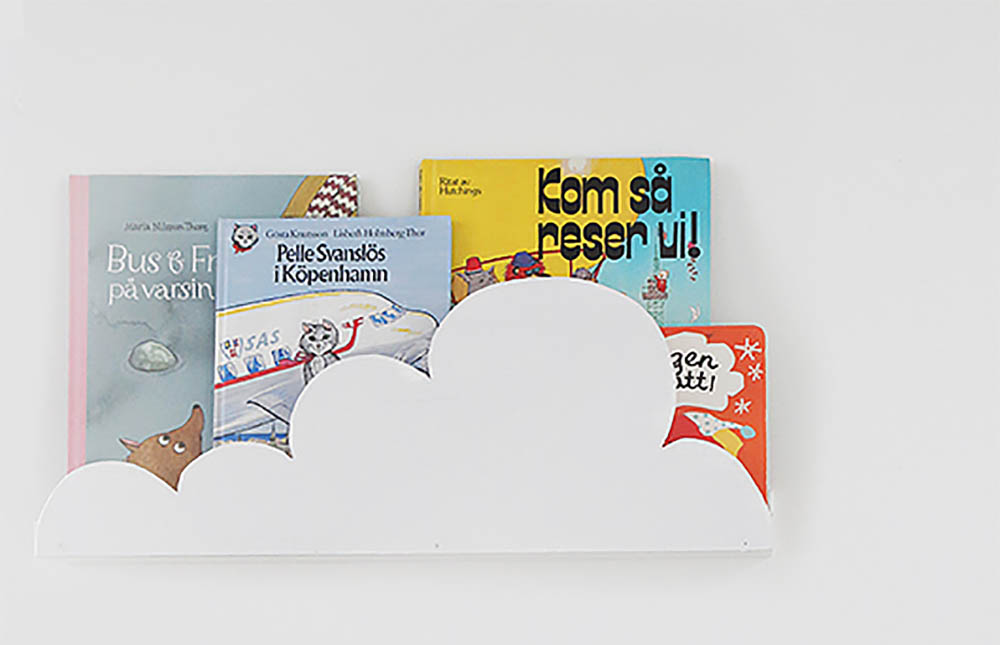 Ikea hack boekenplank wolken