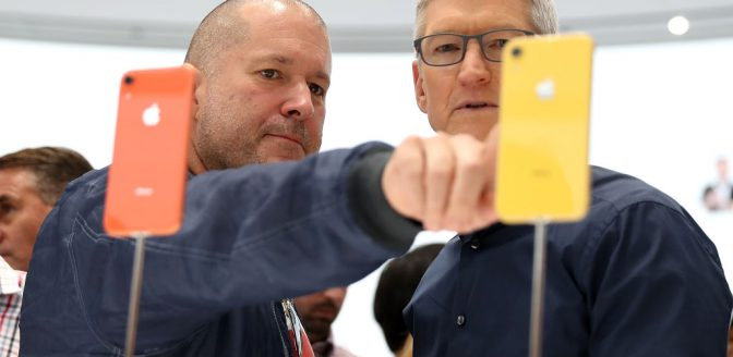 Tim Cook Apple iphone Xs iPhone xr