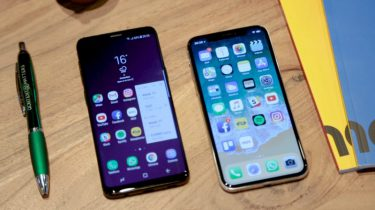 Samsung Galaxy S9 iPhone XS