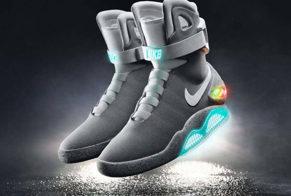 huge selection of 8af4d 7fa1b Adaptive Nike komt met (relatief) betaalbare zelfstrikkende
