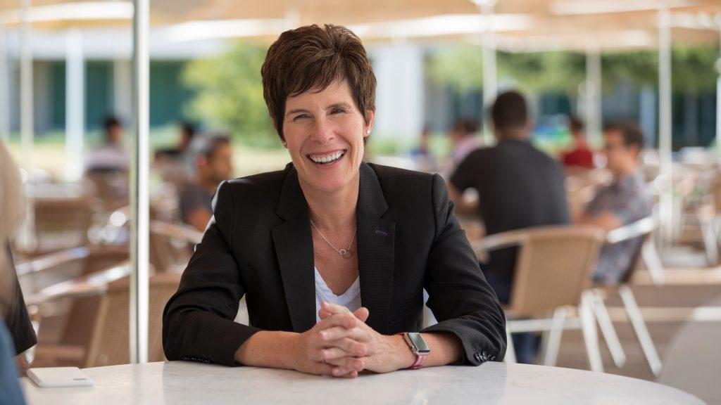 Angela Ahrendts stopt bij Apple Stores