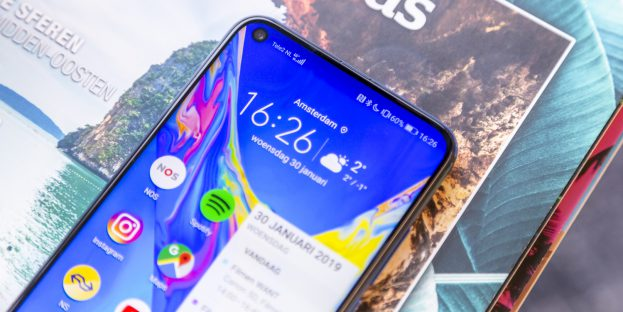 Honor View 20 review notch