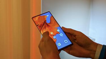 Huawei Mate X Oppo Samsung