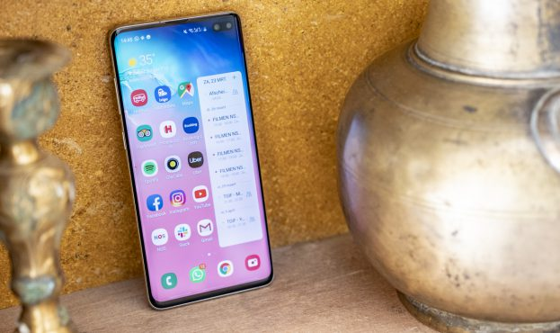 Samsung Galaxy S10 Plus review design