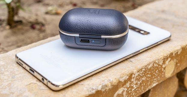 Samsung Galaxy S10 Plus review wireless powershare