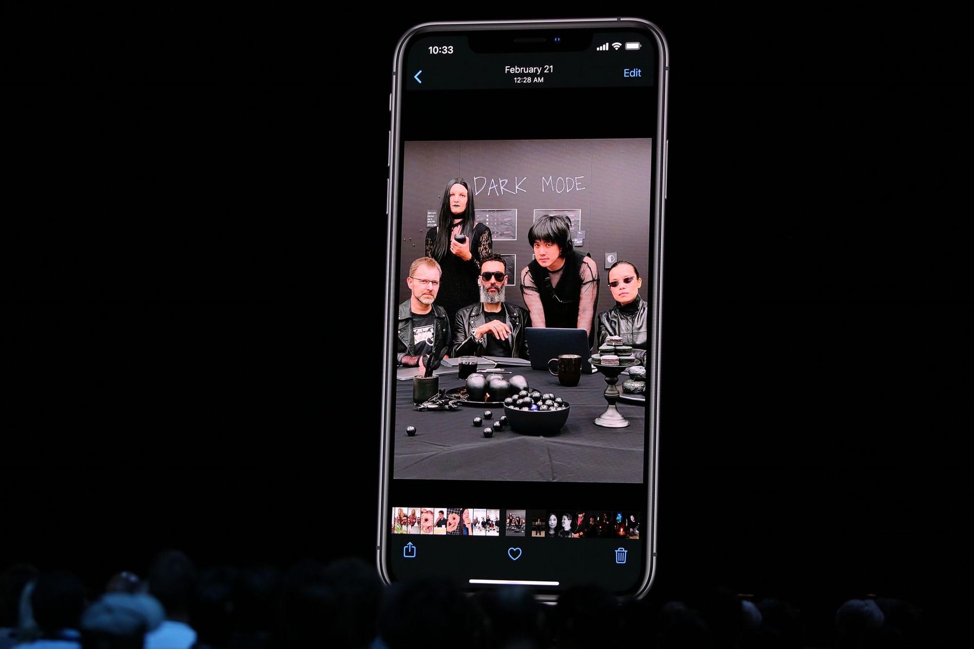 Apple iOS 13 Dark Mode WWDC19