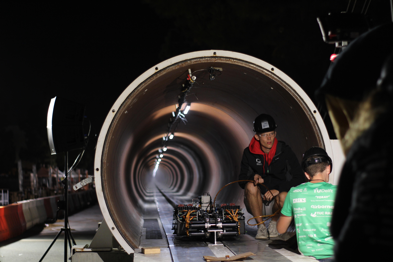 Delft Hyperloop SpaceX