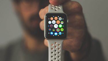 Samsung Watch Active 2 Apple Watch 4