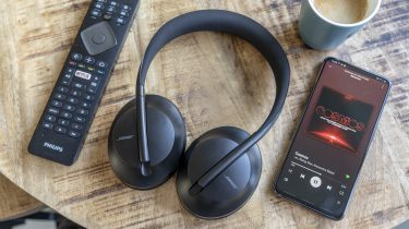 Bose Noise Cancelling Headphones 700 review design