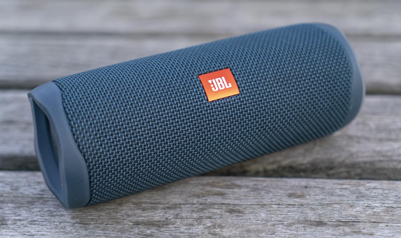 JBL Flip 5 review design