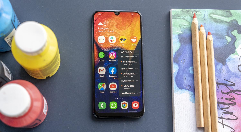 Samsung Galaxy A50 review design