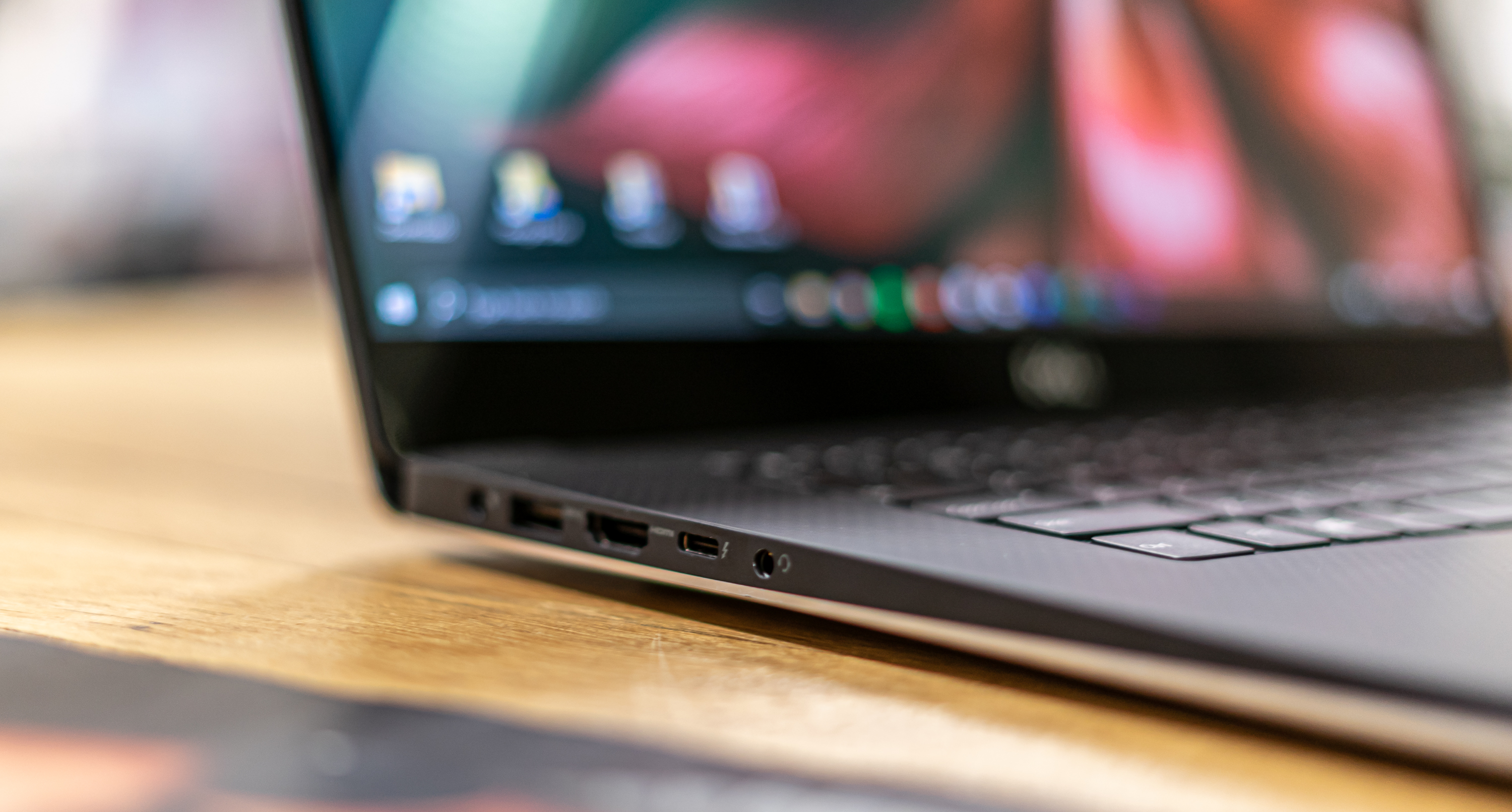 Dell XPS 15 review poorten