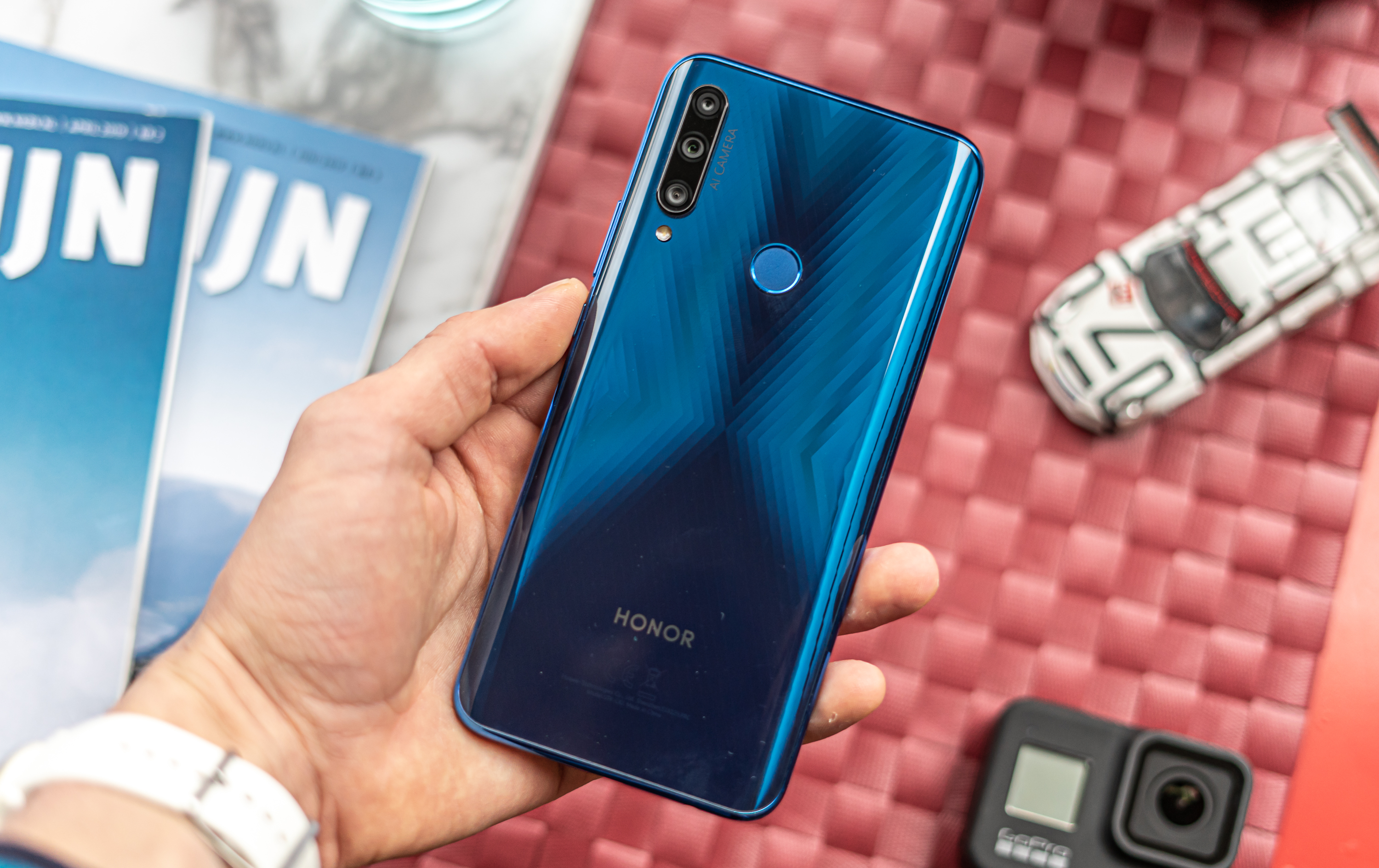 Honor 9X review design