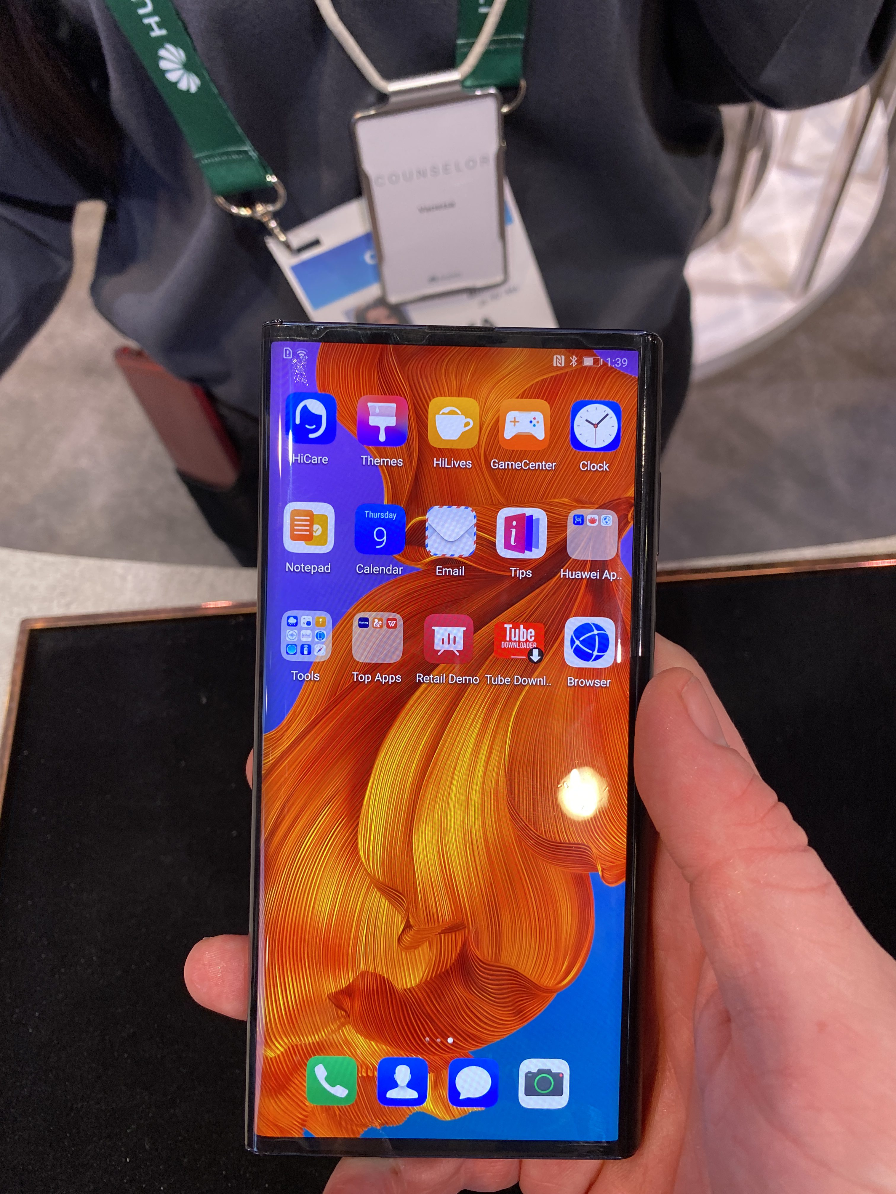 Huawei Mate X CES 2020