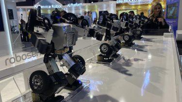Robosen T-9 Transformers