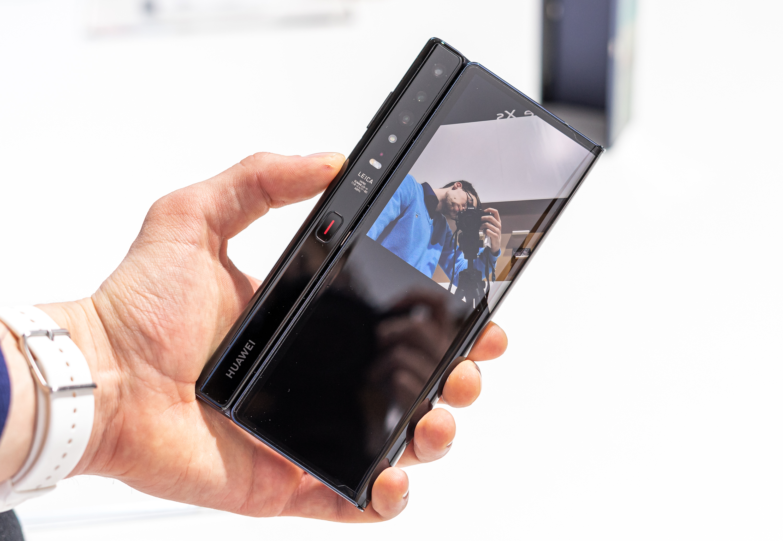 Huawei Mate Xs selfie